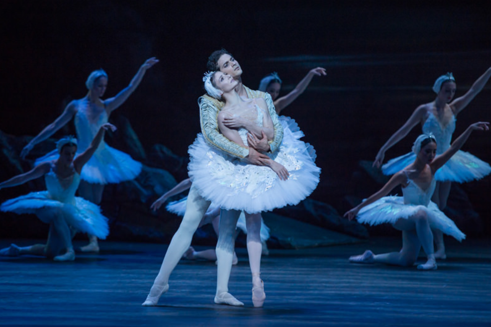Alina Cojocaru as Odette/Odile and Alejandro Virelles as Prince Siegfried in English National Ballet's production of Swan Lake. Photo: © Photography by ASH