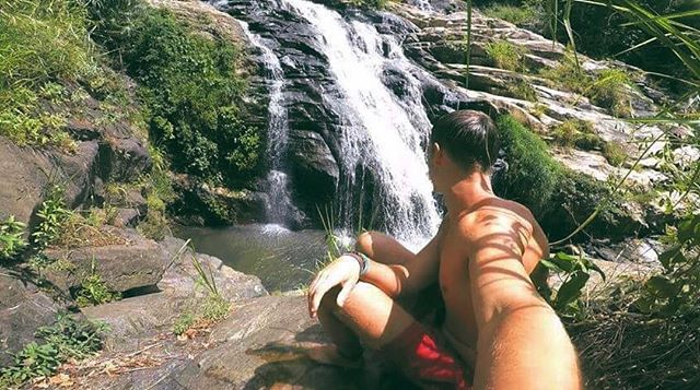 🎶Don't go chasing waterfalls🎶 (unless they are in Sri Lanka)  Photo creds to our volunteer manager @frasercrawford  #TRAVELTEER #travelgram #traveller #srilanka #srilankatravel #waterfall #chasingwaterfalls #nature #sceneryphotography #instagood #instagram #travelphotography #travelasia #adventuretime #adventure #travel #travelgram #traveltheworld #volunteering #nature #sun #scenery #view #instadaily