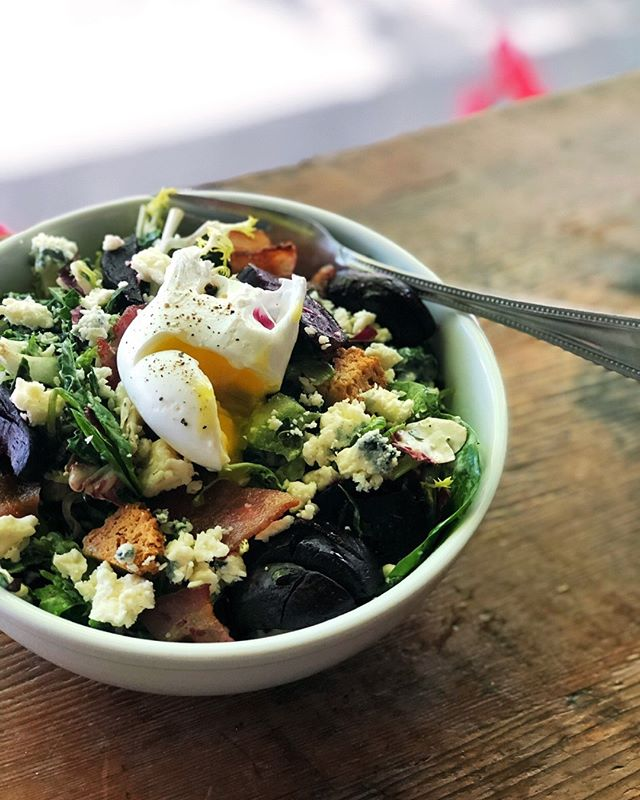 It's not all pastries all the time around here, we also happen to make a mean salad. 👊🥗 Our baker's salad is always made with seasonal veggies, fresh farm greens, bacon, biscuit croutons and a poached egg! The current iteration has roasted beets and blue cheese is it is VERY good. #saladdaze - - - - - #laurettajeans #eater #eaterpdx #pdxnow #happeninginpdx #pie #piebakery #pieshop #pieforbreakfast #piegoals #springtime #pdxbrunch #salad #localveggies #seasonalfoods