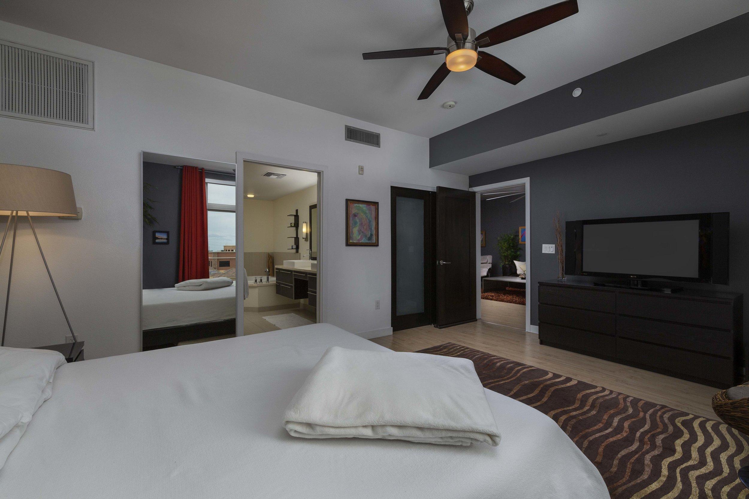 Bedroom_005.jpg