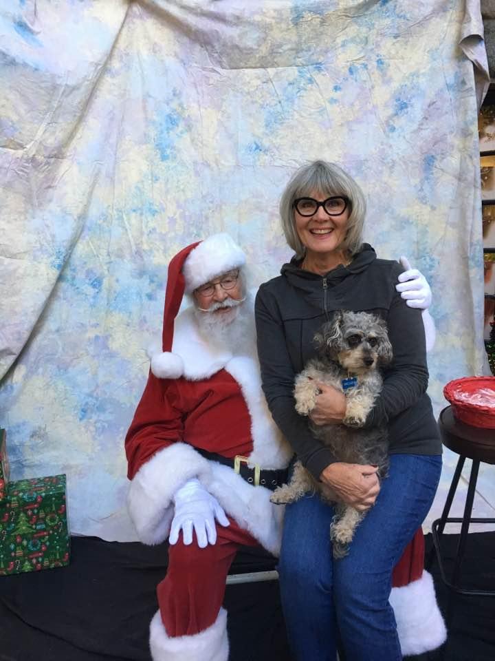 Leslie and Mickey w Santa.jpg