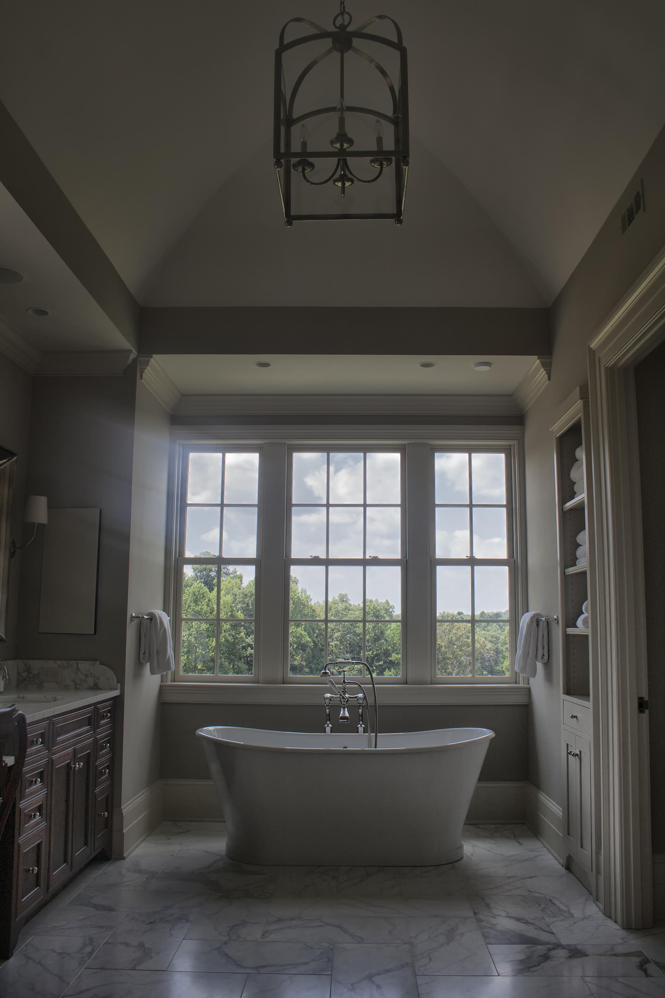 013 master bath.jpg