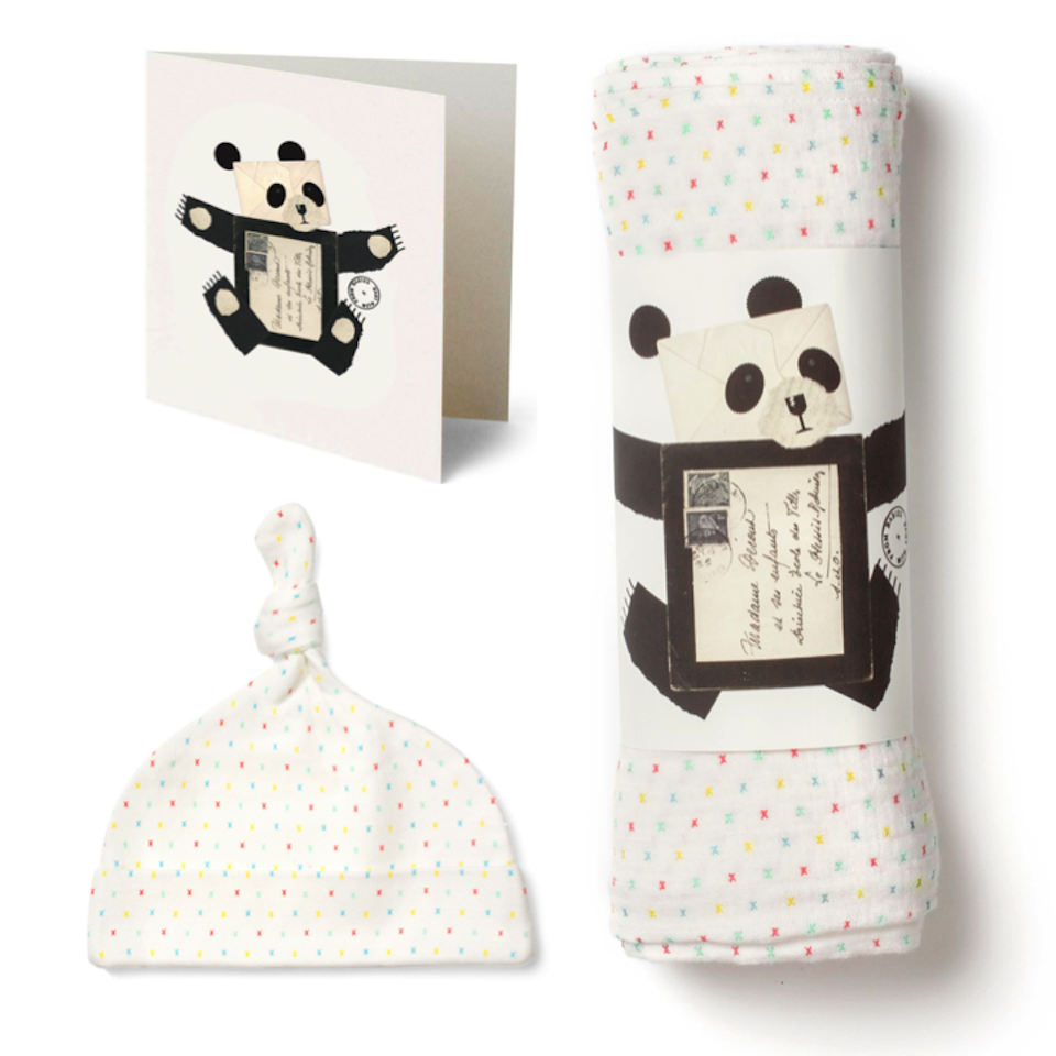 first-kisses-muslin-and-knot-hat-gift-set-2080.png