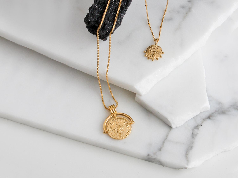 missoma_lw_roman_arc_coin_necklace_rc_g_n8_ns_ch5_r.jpg_1500.jpg