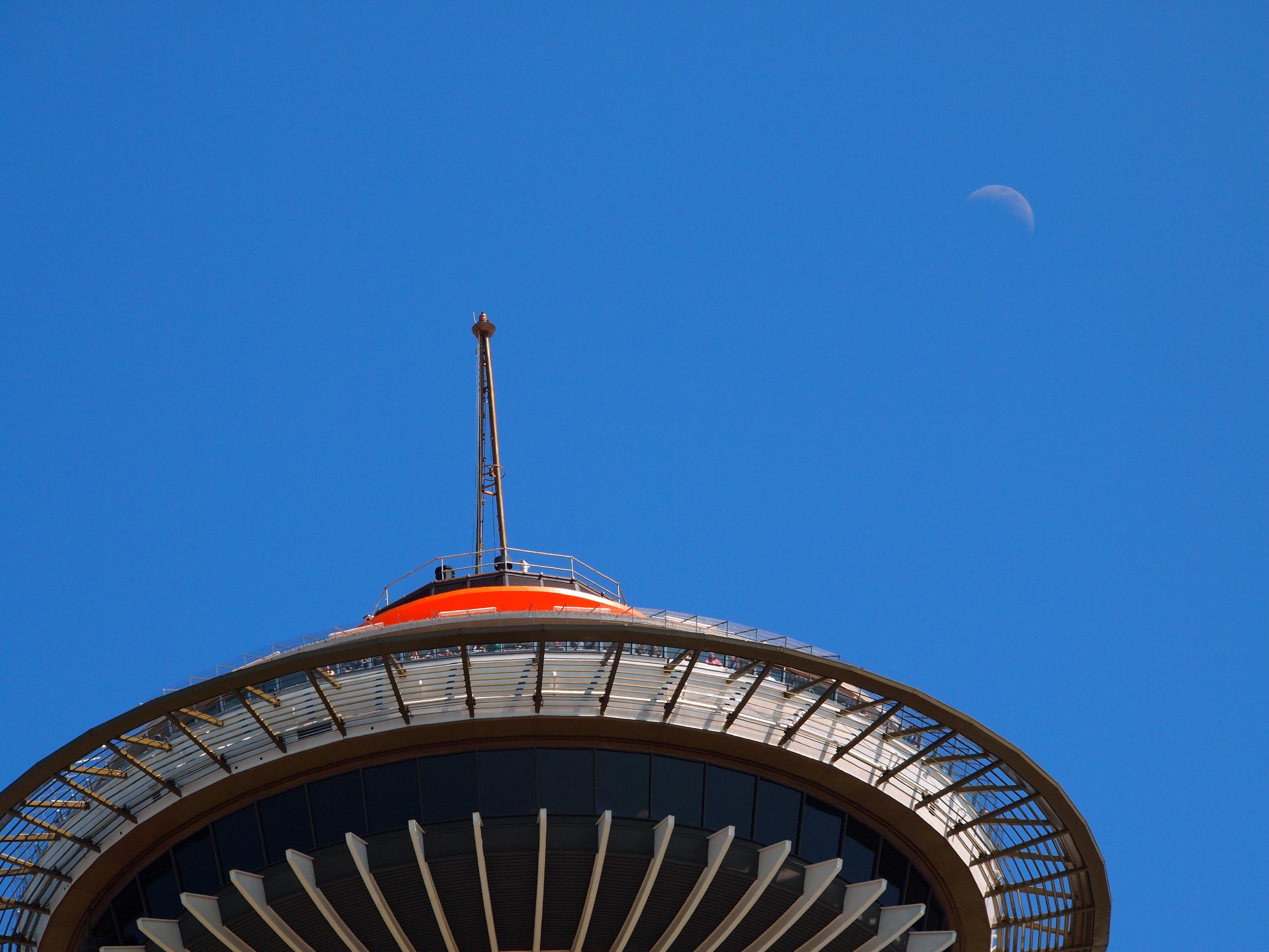 #space #needle #crescent #moon#seattle #washington #usa #needleweek