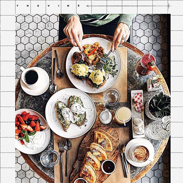 Flash forward to your next brunch spread. Reserve your table through the link up top ⇡ c/o @arielle.sophia