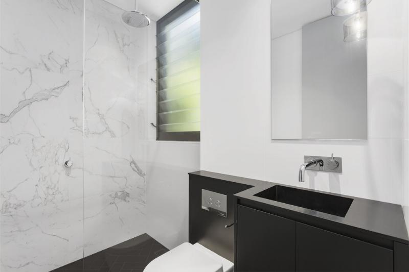 Carranya_Road_5_Riverview_(Bathroom) (1).jpg