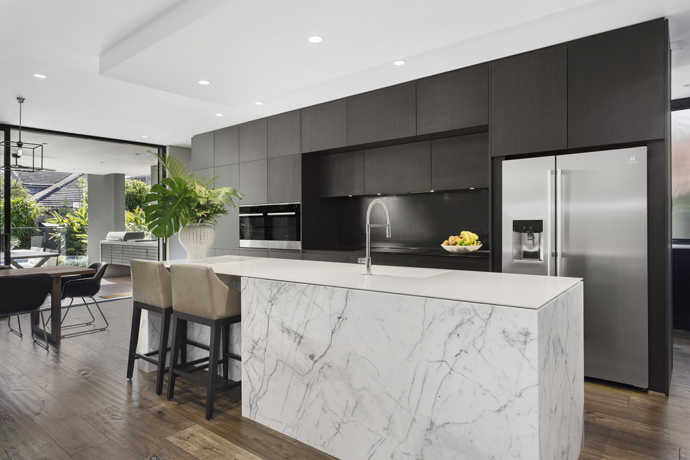 Residential - Seamless joins are a key feature of solid surface, promoting clean lines and allowing seamless integration of horizontal & vertical surfaces.