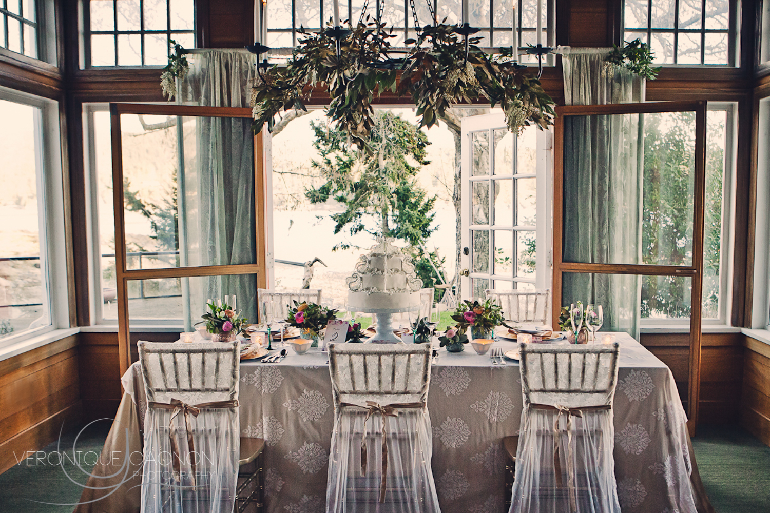 Vintage intimate wedding at the Sooke Harbour House with lace, pastel, roses and gold notes.