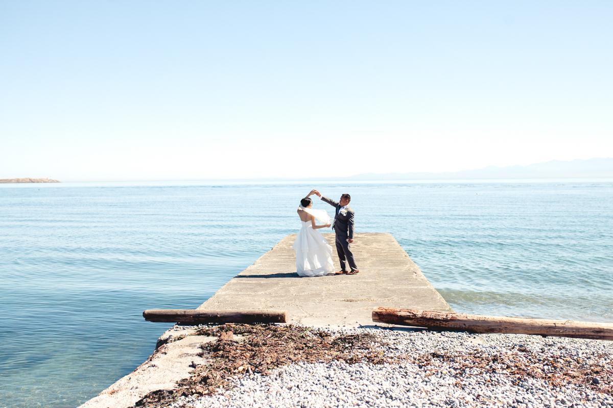 Kana and Derek, Sneak Peek, Oak Bay Beach Hotel, Veronique Gagnon Photography, Victoria Photographer-52.jpg