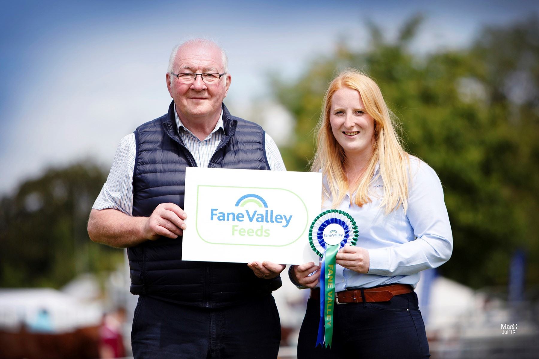 David Hazelton, Dungannon, won the award for the exhibitor gaining the most points at the National Show. He receive the award from Laura Kennedy, Fane Valley.