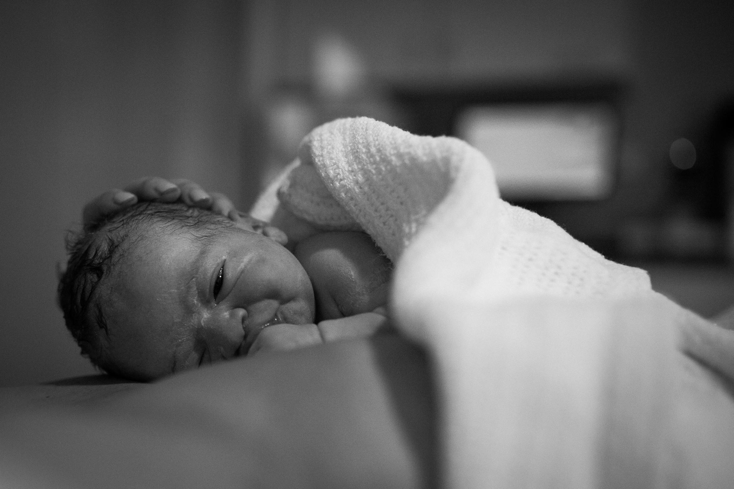 THEFIRSTHELLO - BIRTH PHOTOGRAPHY-41.jpg