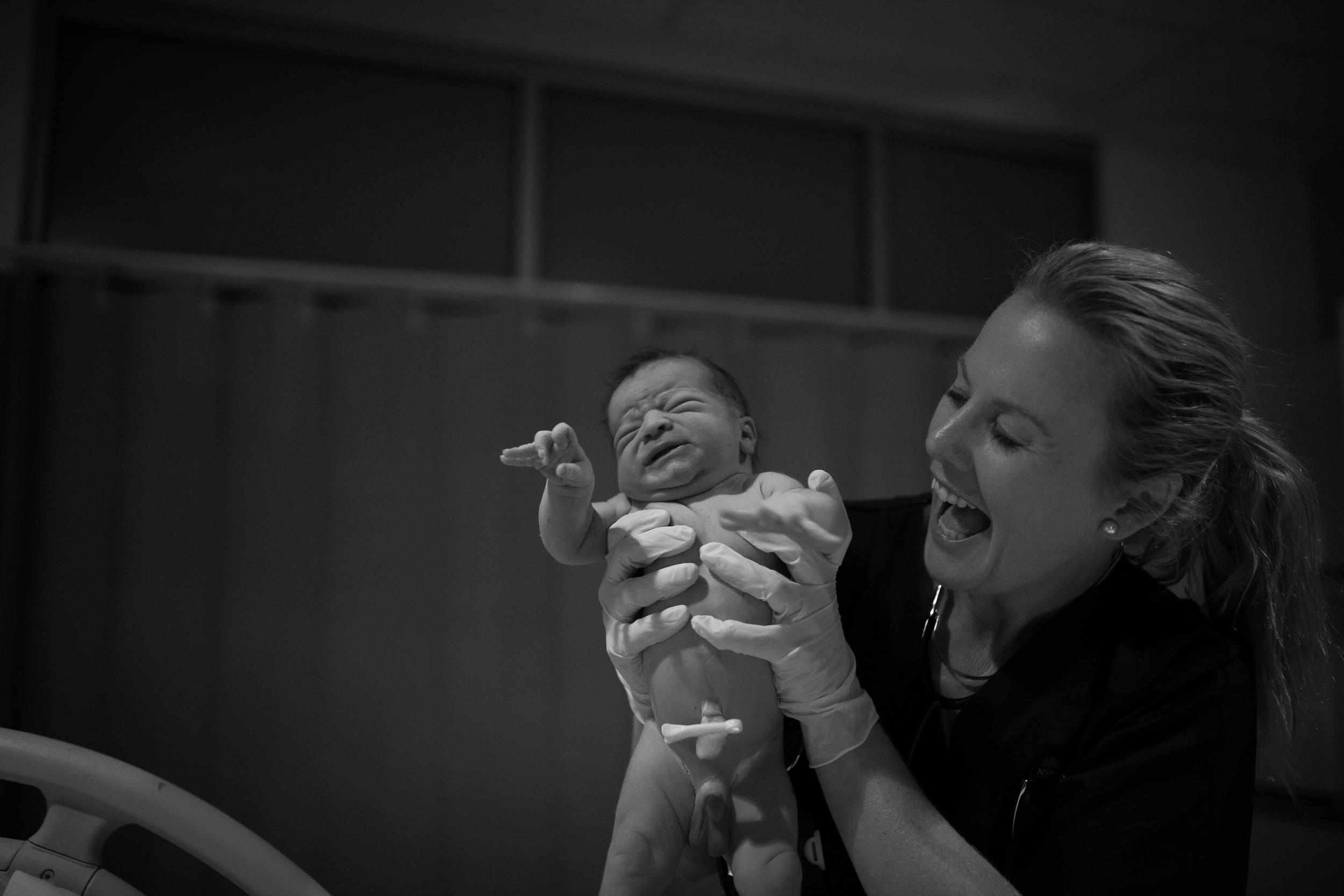 THEFIRSTHELLO - BIRTH PHOTOGRAPHY-77.jpg