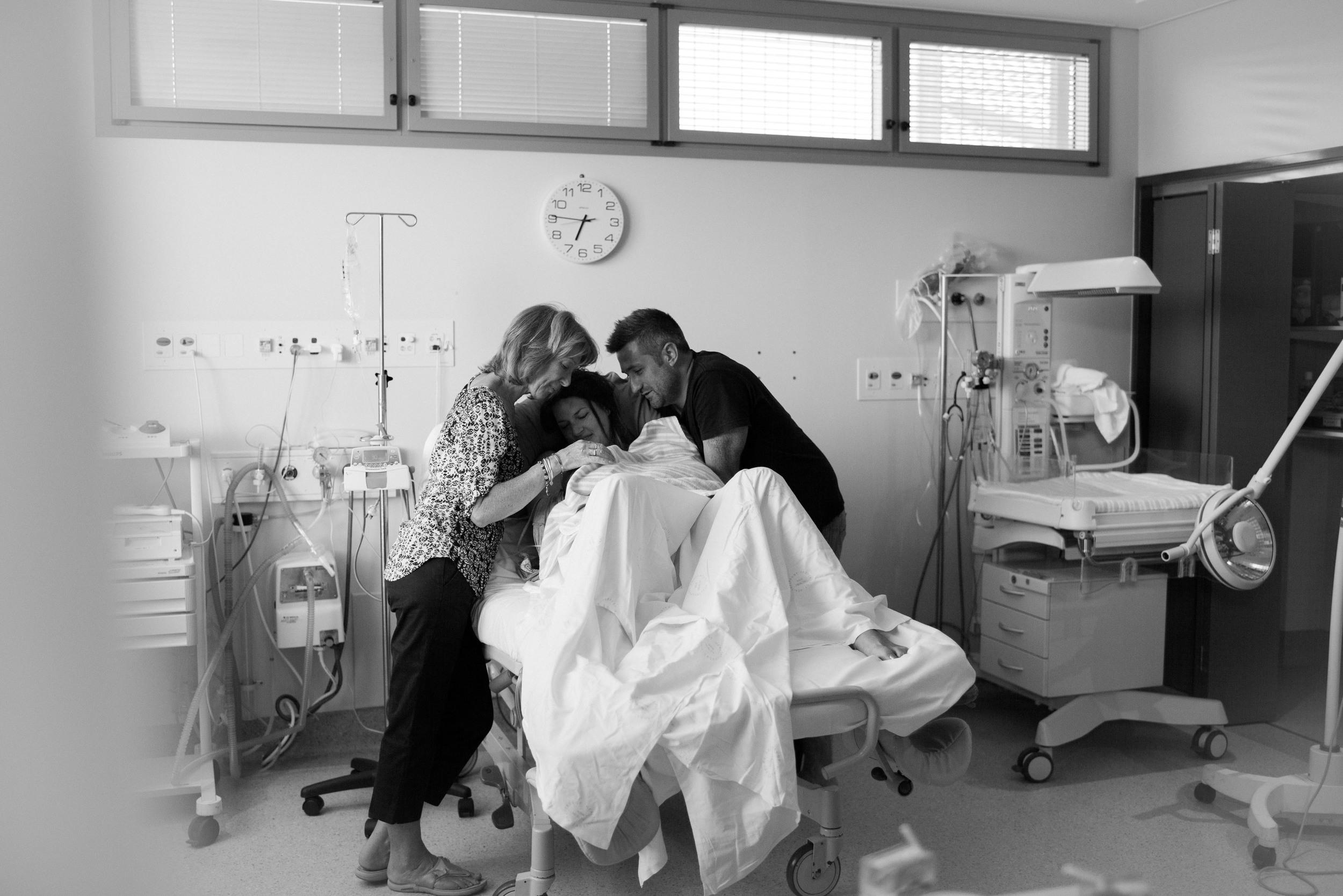 THEFIRSTHELLO - BIRTH PHOTOGRAPHY-28.jpg