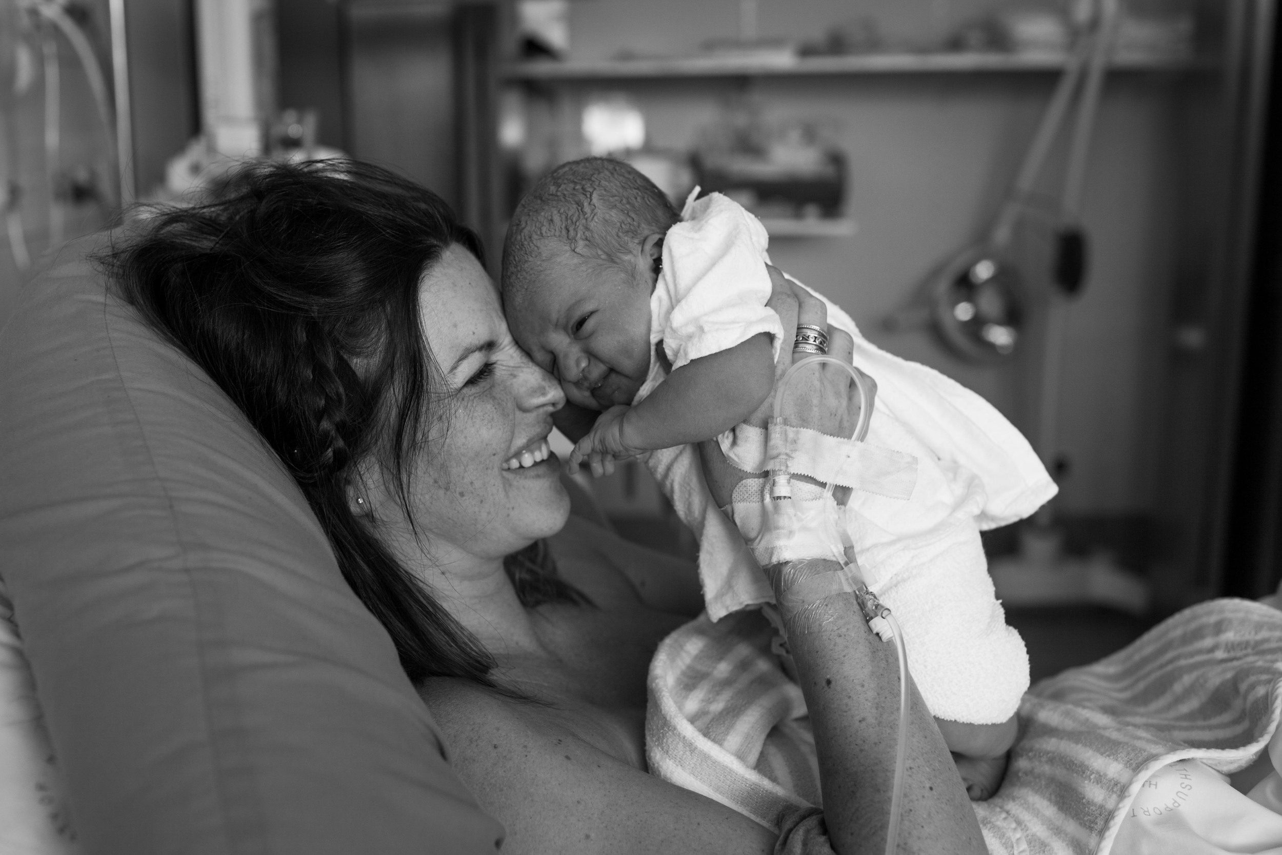 THEFIRSTHELLO - BIRTH PHOTOGRAPHY-44.jpg