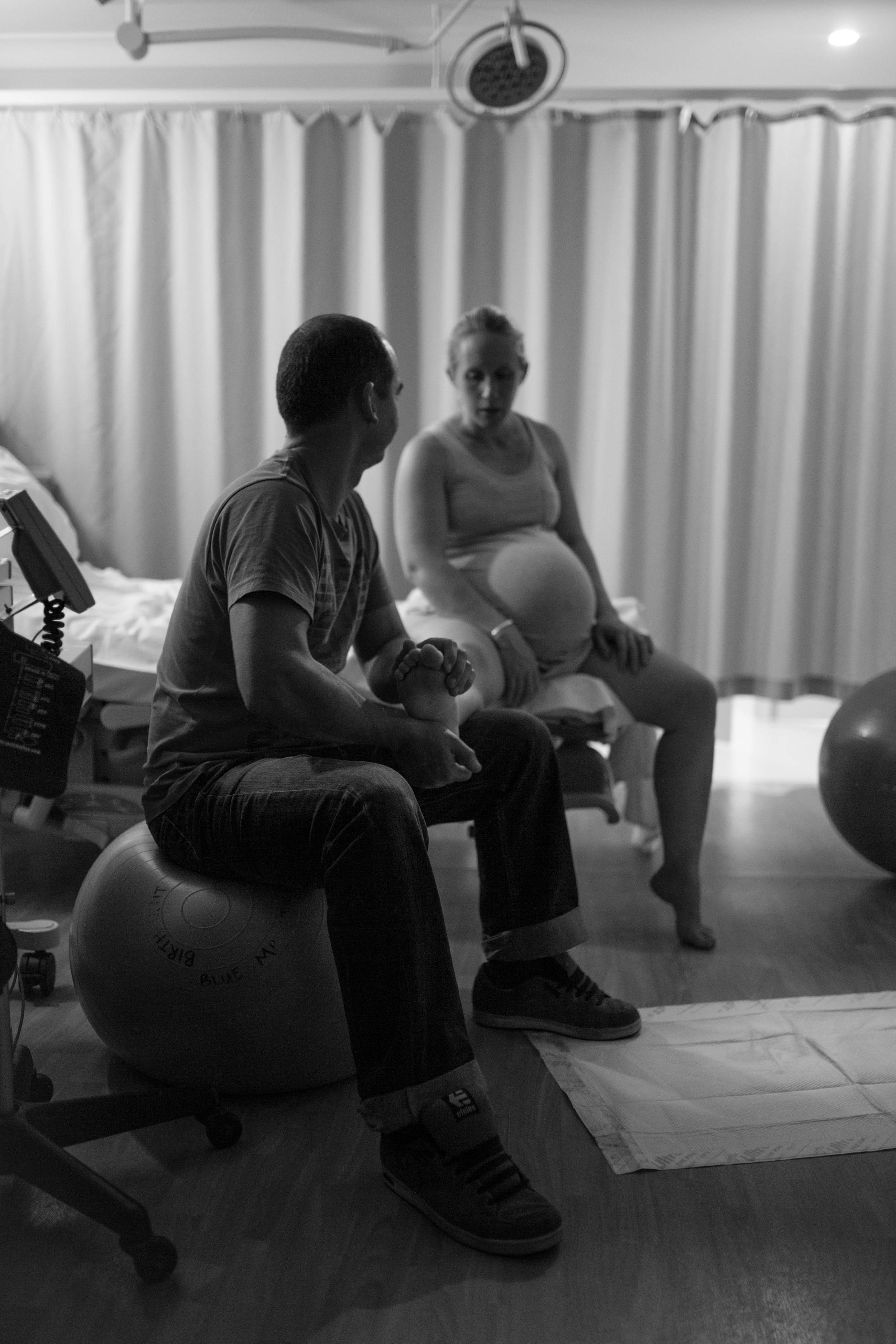 THEFIRSTHELLO - birth photography-133.jpg