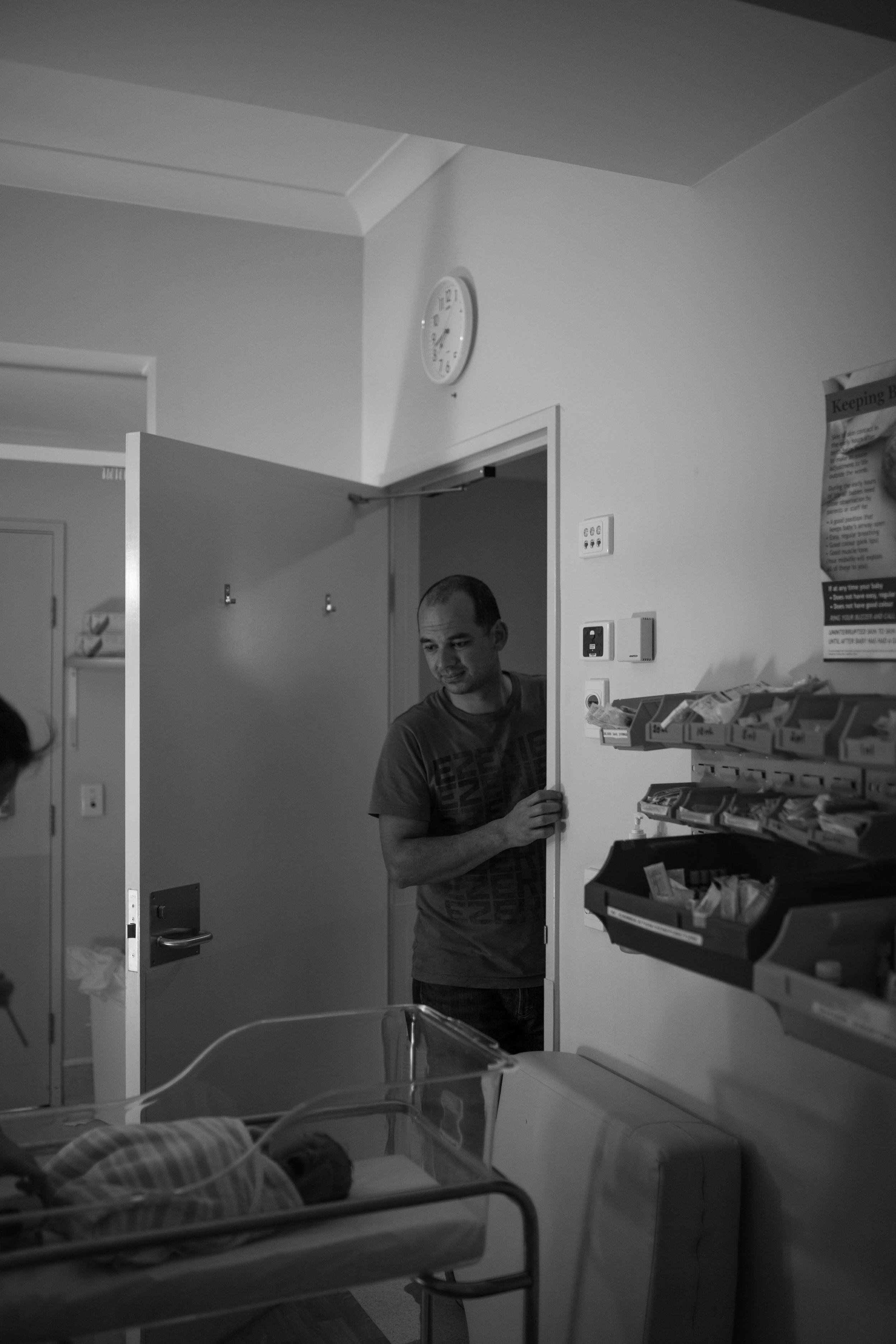 THEFIRSTHELLO - birth photography-14.jpg