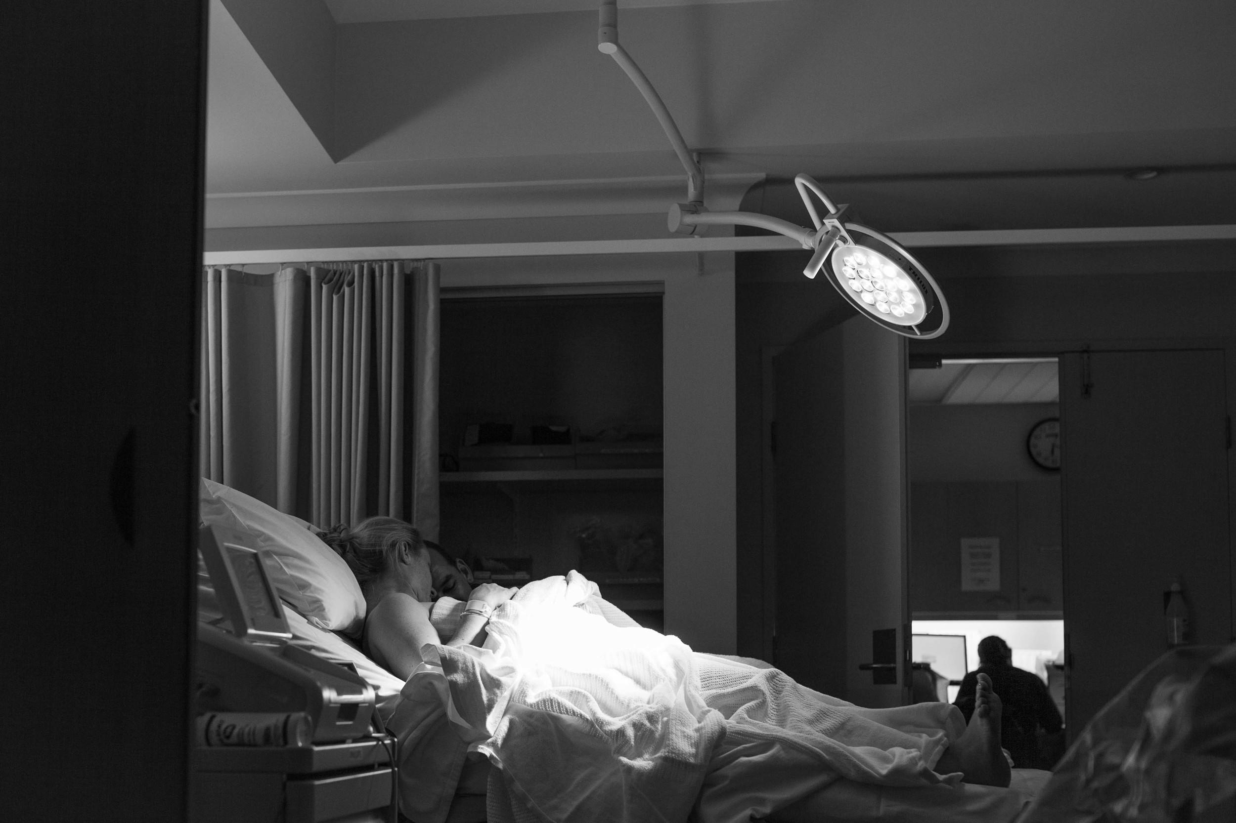 THEFIRSTHELLO - birth photography-33.jpg