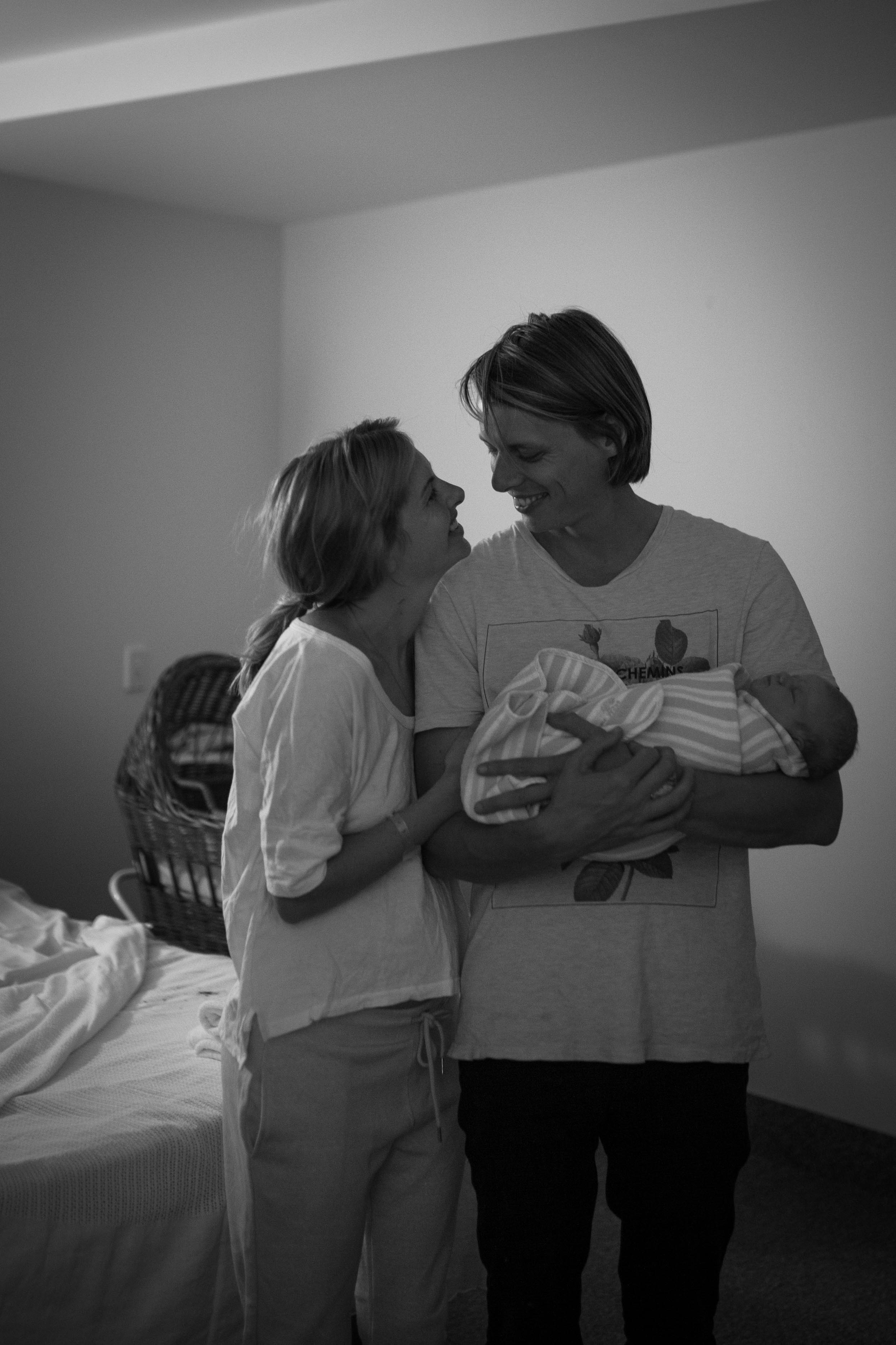 THEFIRSTHELLO - birth photography-1.jpg