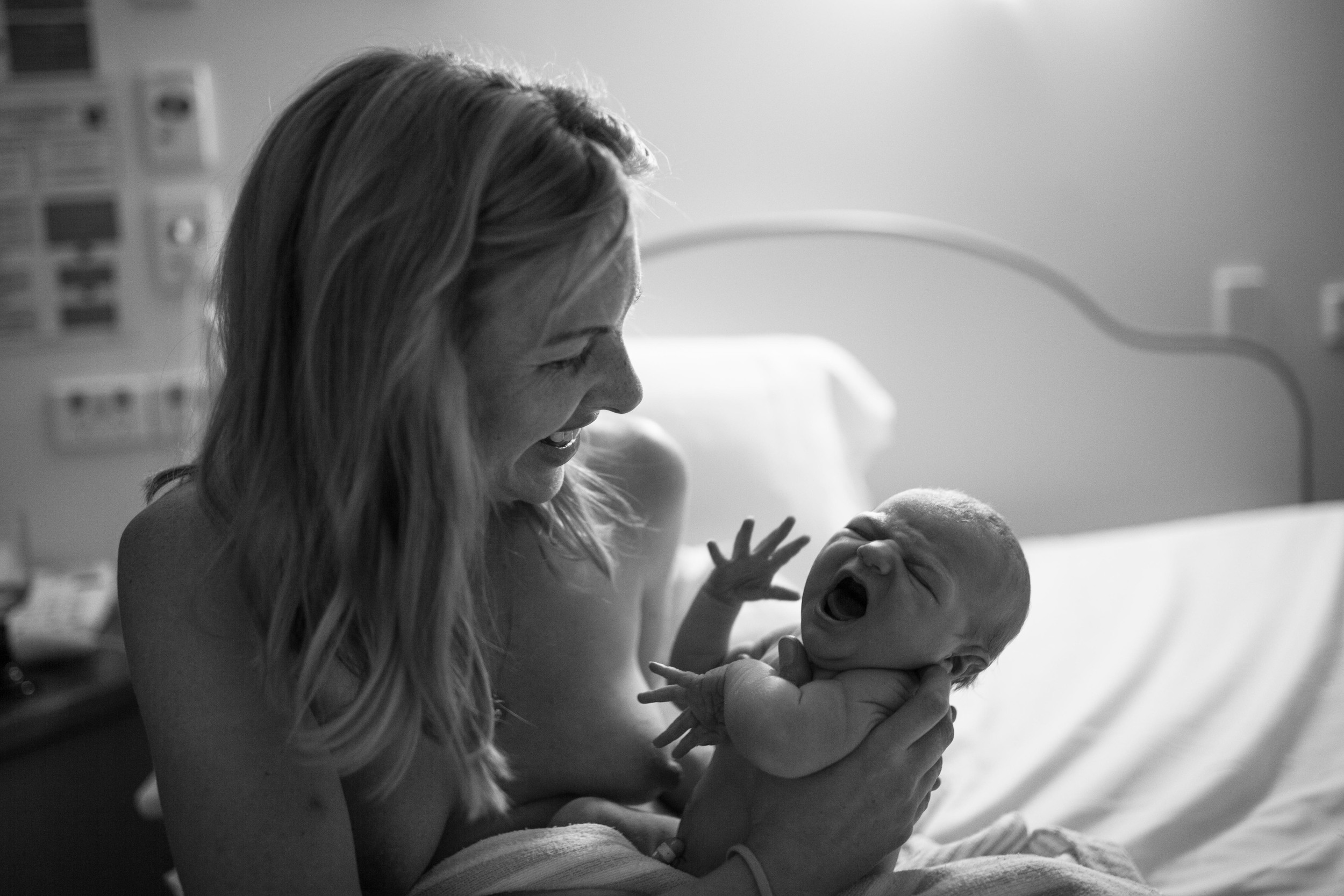 THEFIRSTHELLO - birth photography-47.jpg