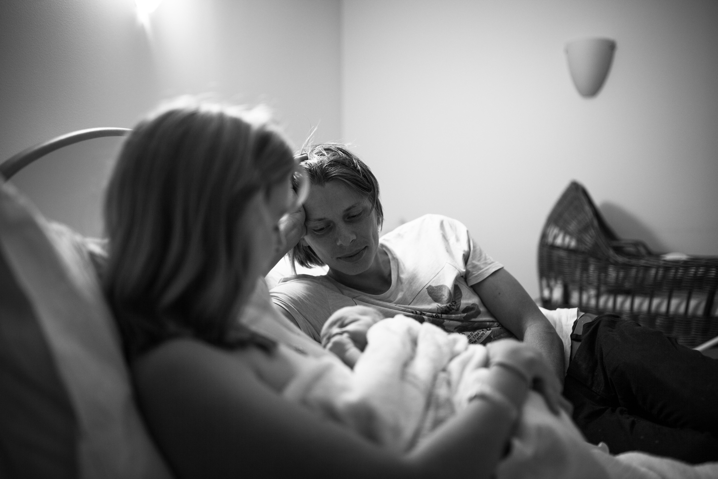 THEFIRSTHELLO - birth photography-88.jpg
