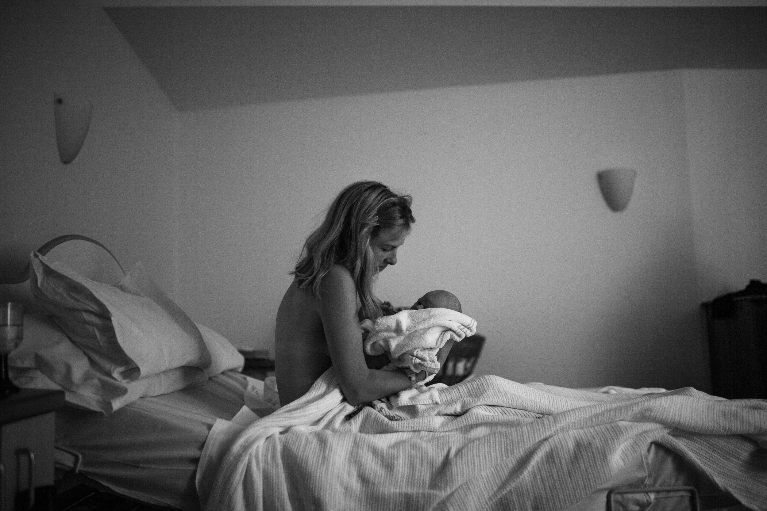 THEFIRSTHELLO - birth photography-106.jpg