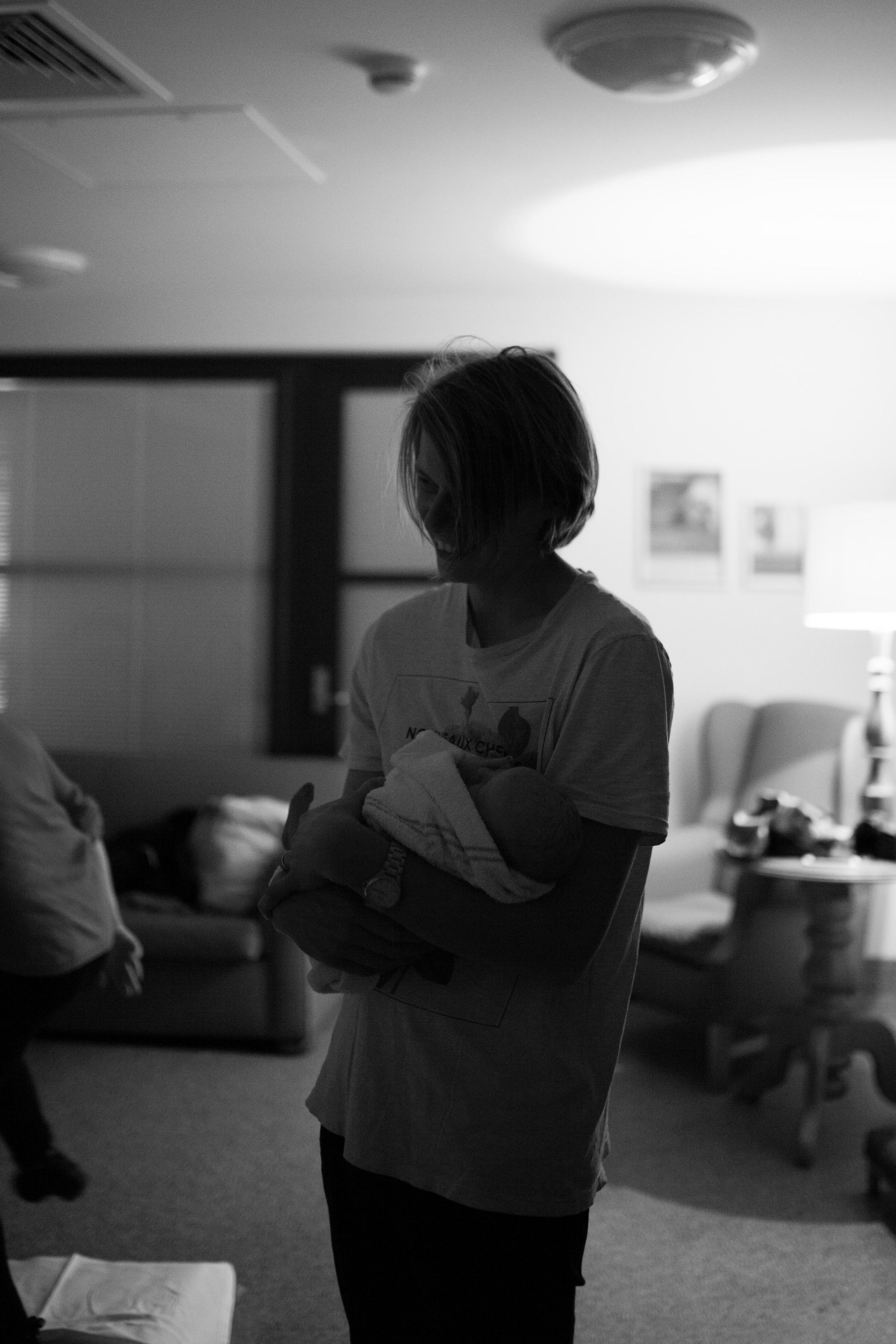 THEFIRSTHELLO - birth photography-110.jpg