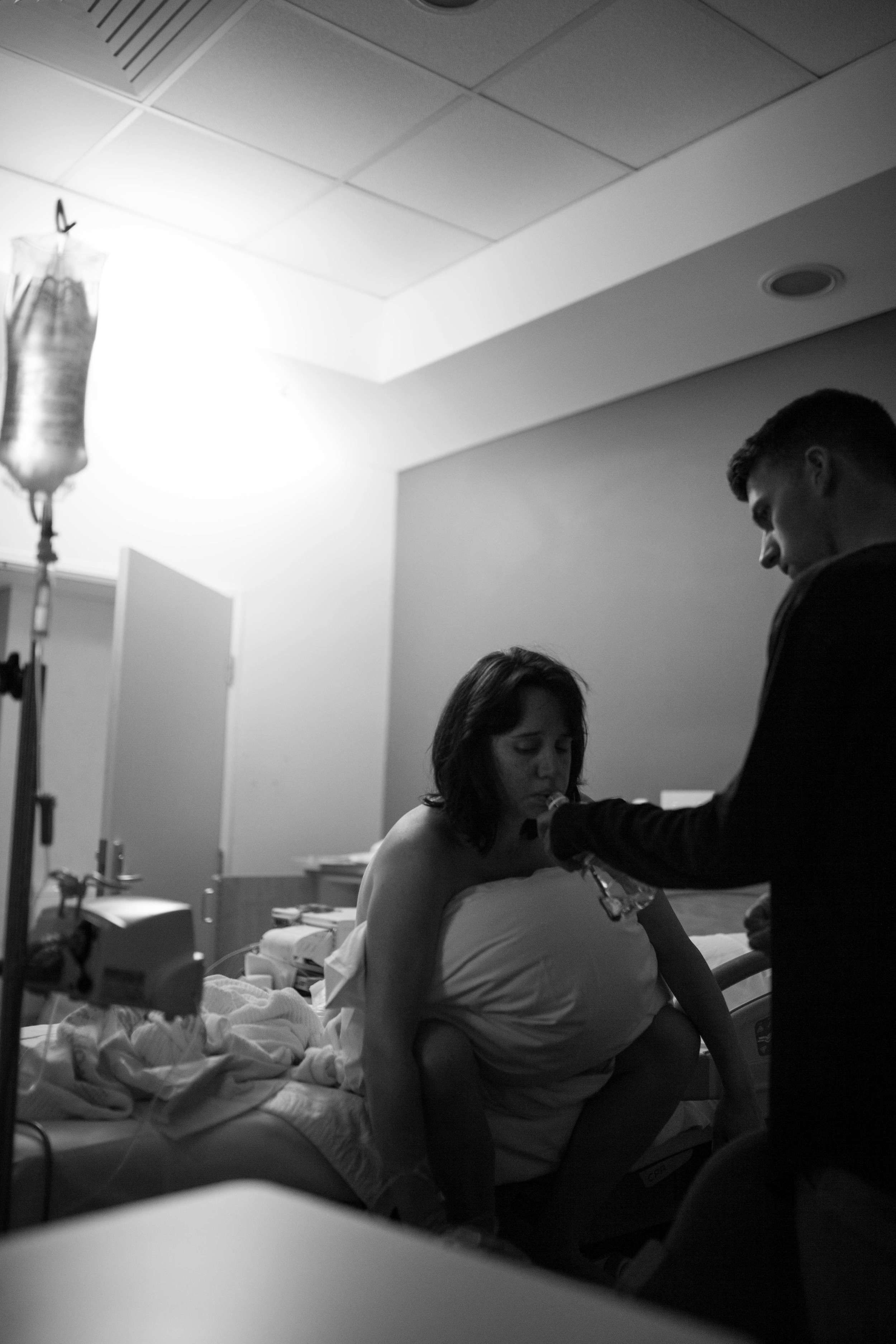 THE FIRST HELLO - birth photography-71.jpg