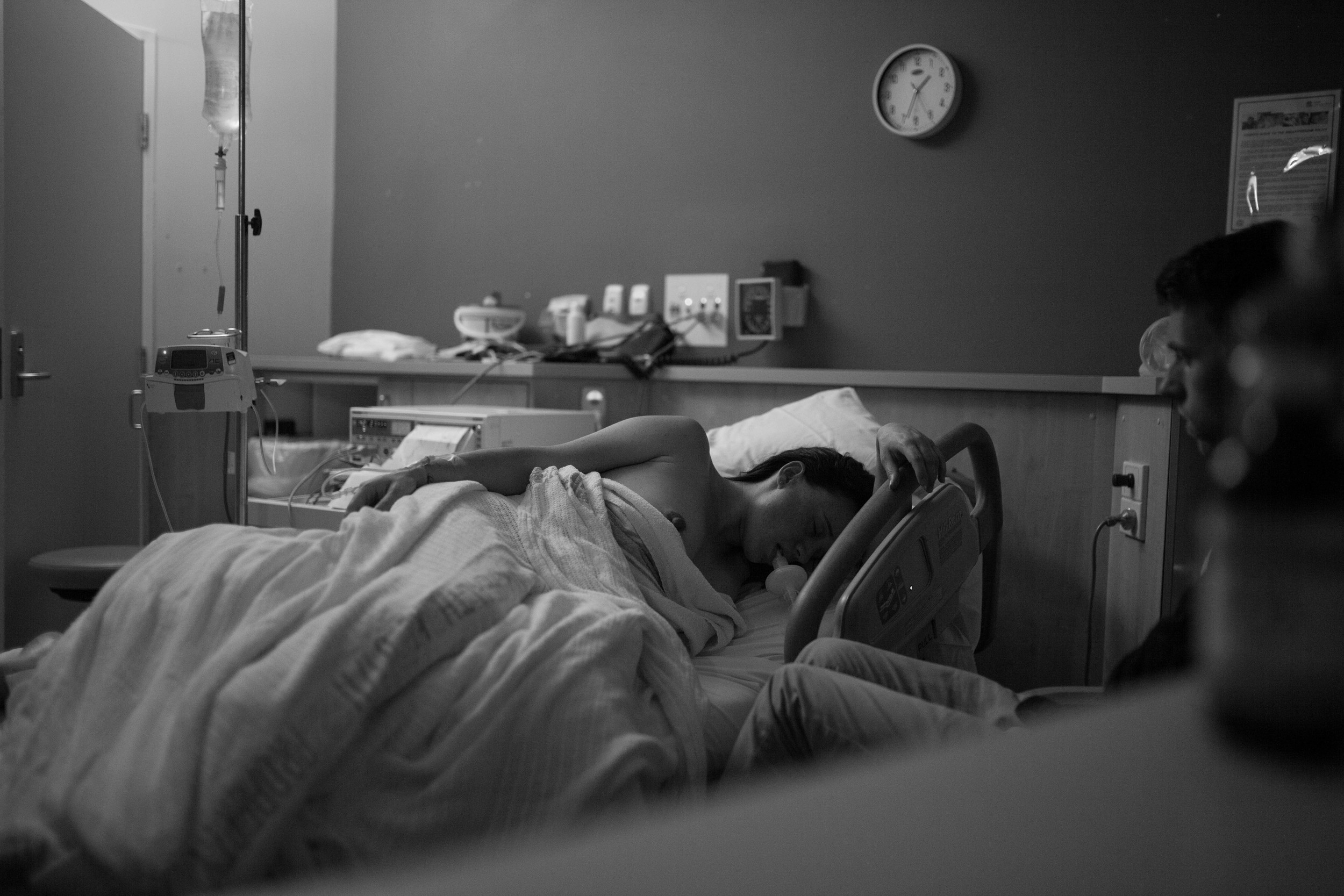 THE FIRST HELLO - birth photography-72.jpg