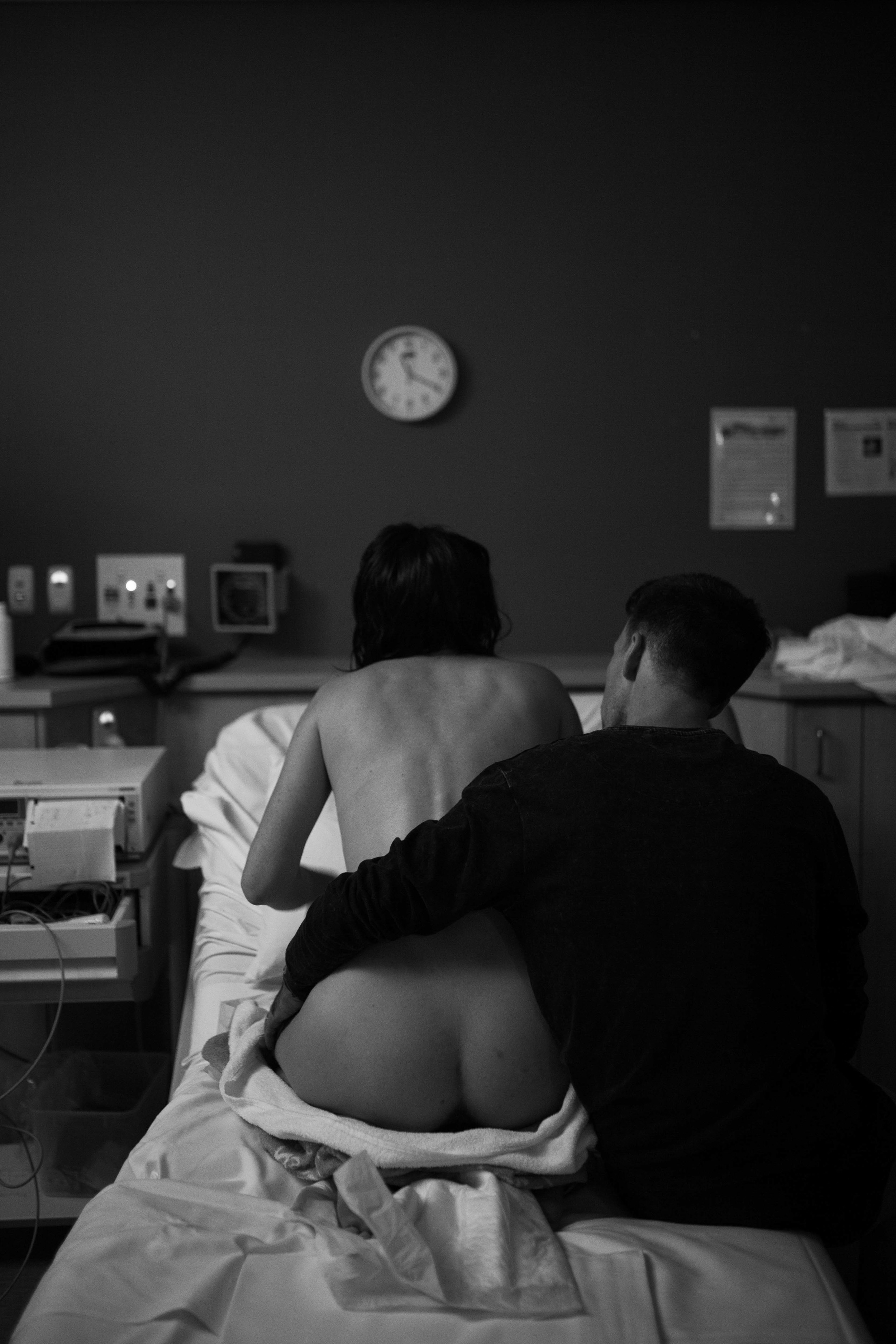 THE FIRST HELLO - birth photography-102.jpg