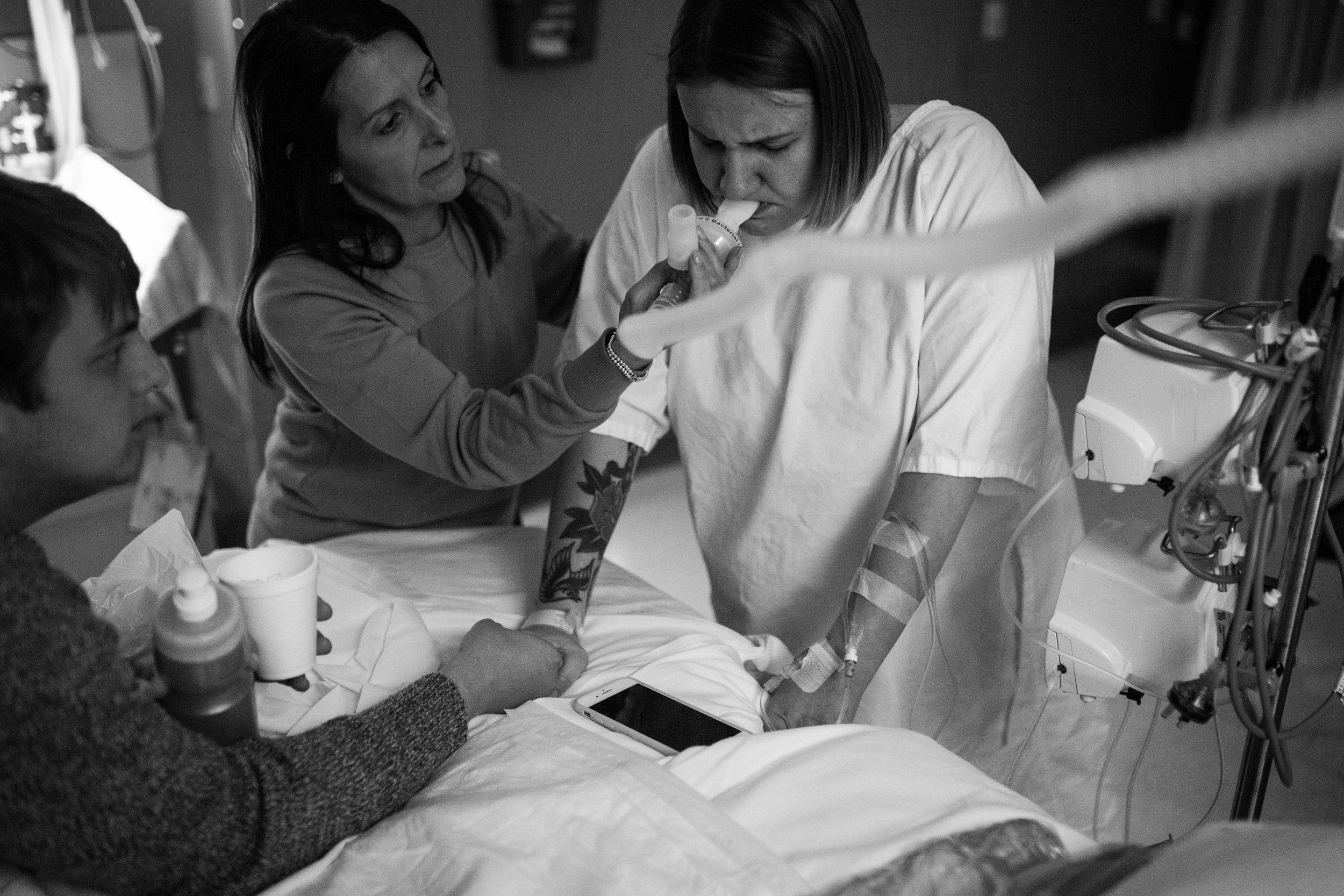 THEFIRSTHELLO - birth photography-34.jpg