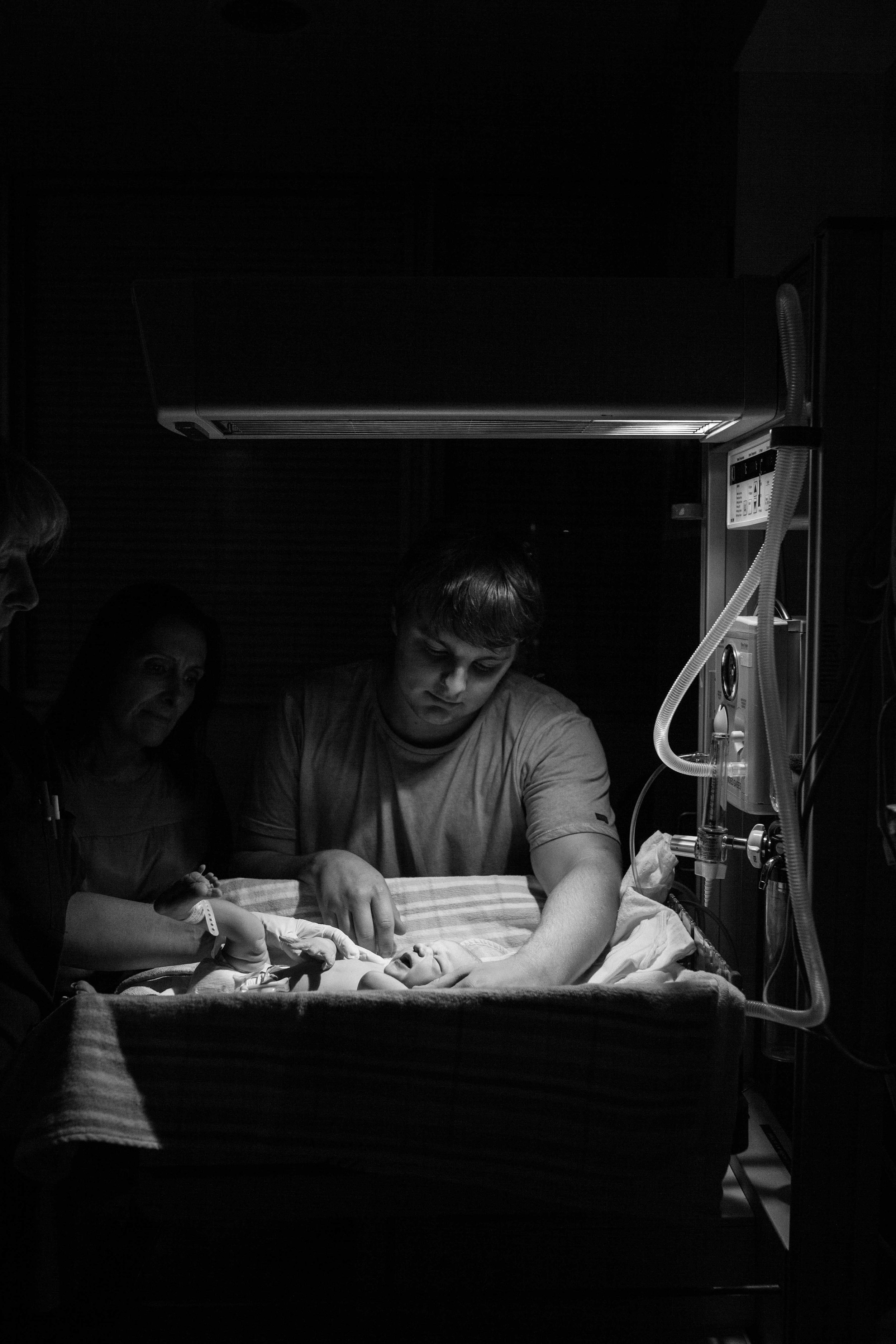 THEFIRSTHELLO - birth photography-137.jpg