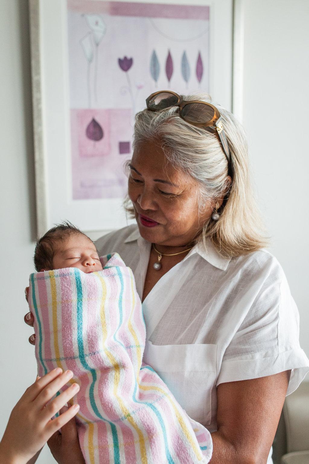 THEFIRSTHELLO-birthphotography-87.jpg
