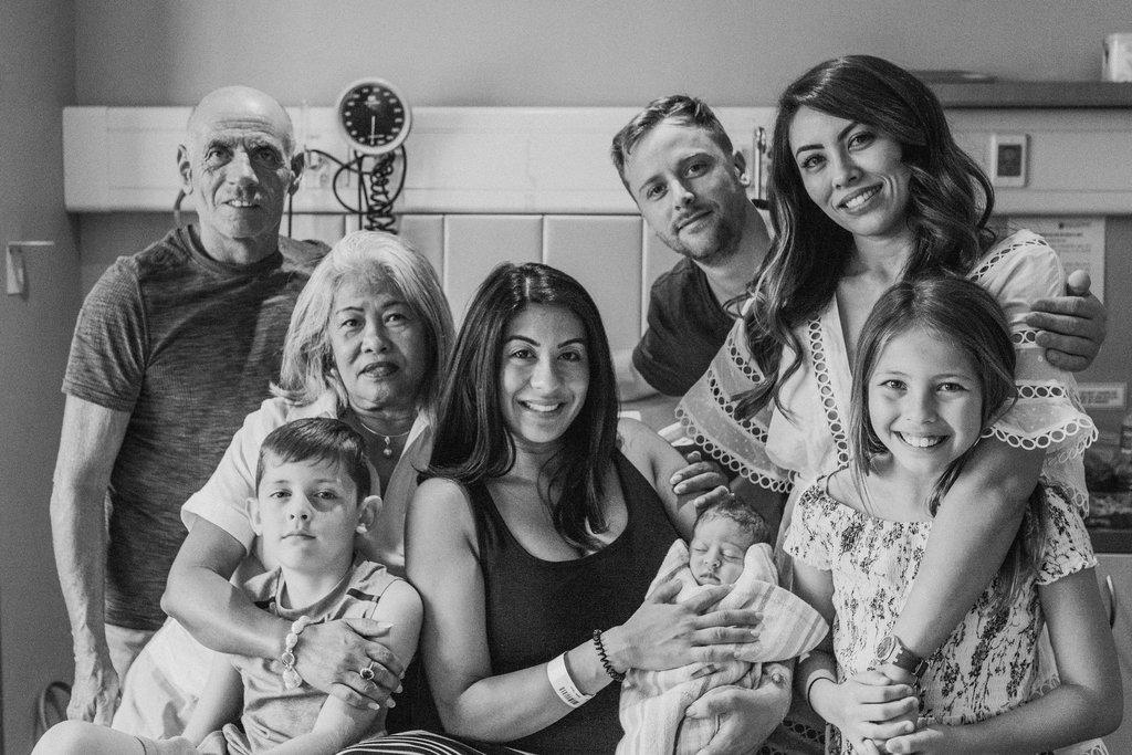 THEFIRSTHELLO-birthphotography-109.jpg