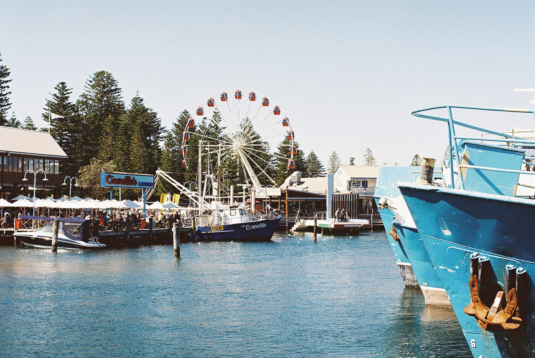fremantle_port_jetty_ciccerellos.JPG