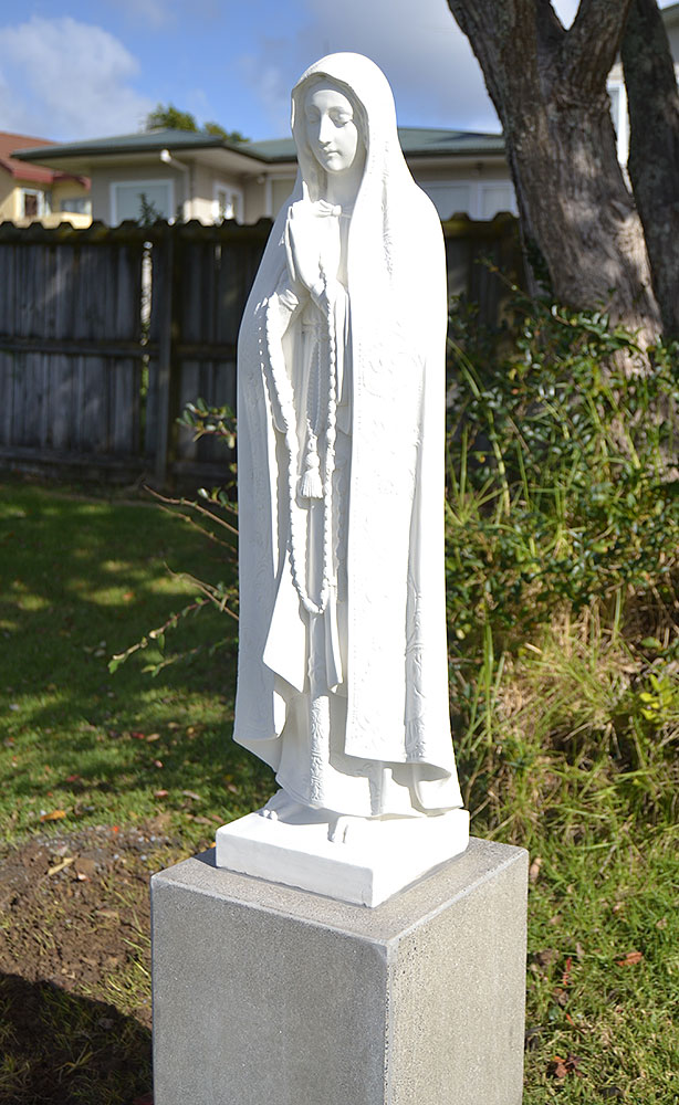 our-lady-of-fatima-st-johns-mairangi-bay-garden-statue.jpg