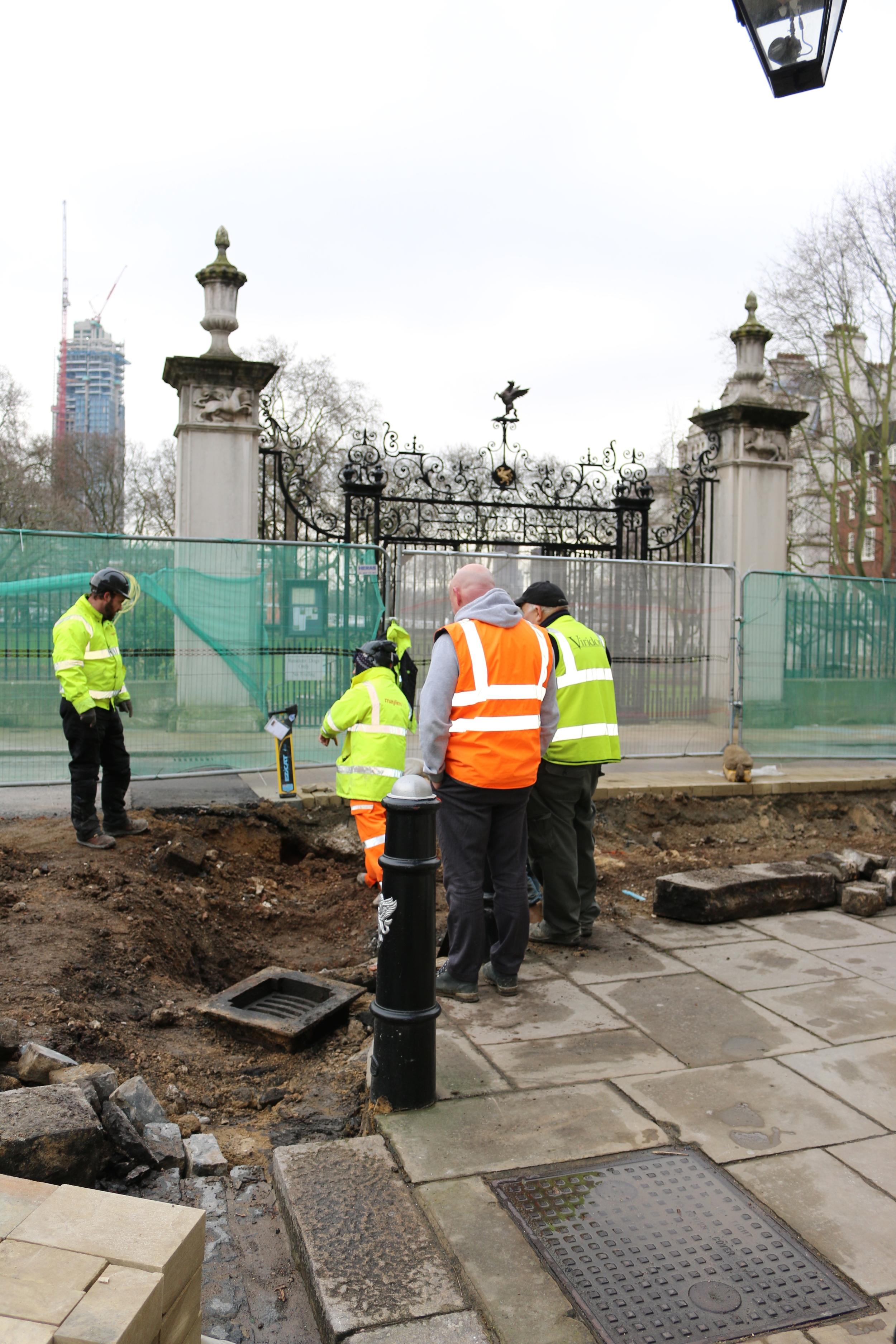 Garden Gates 1 03 0215.jpg