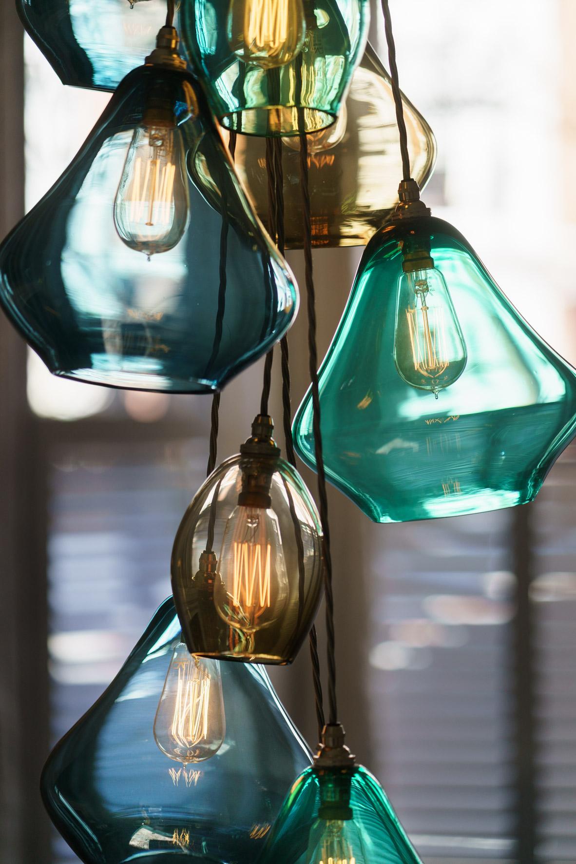 Pear_drop_chandelier_close.jpg