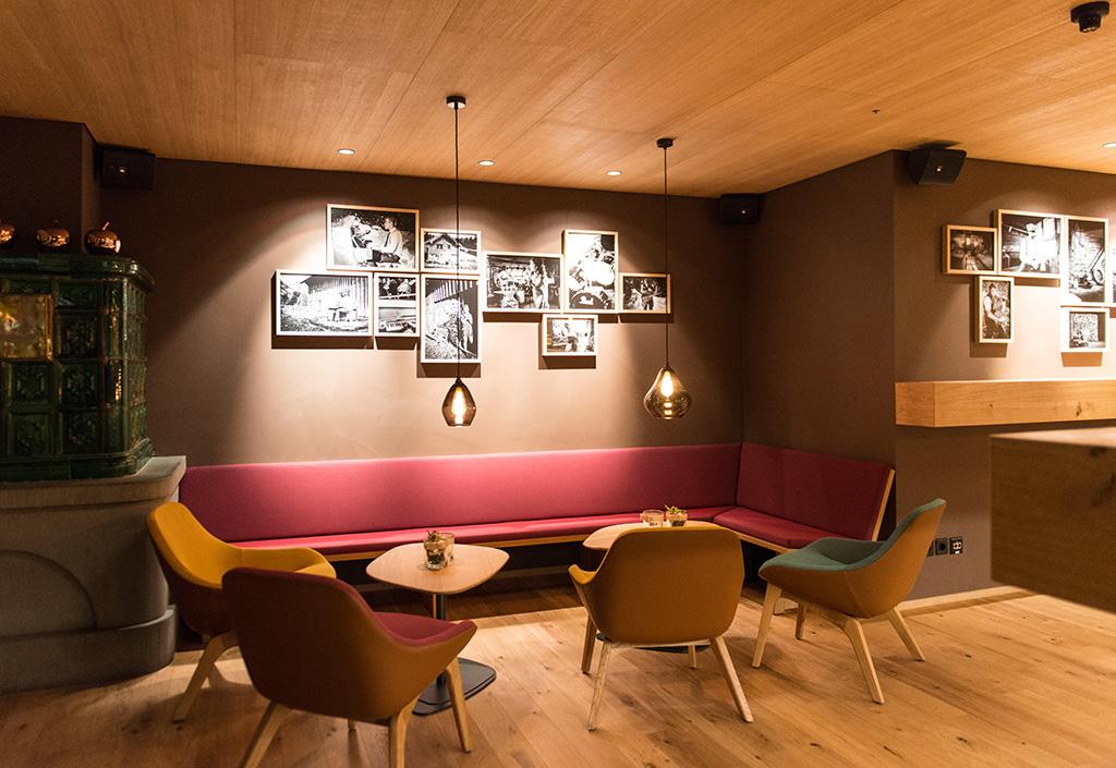 Bars_and_Restaurants_8.jpg