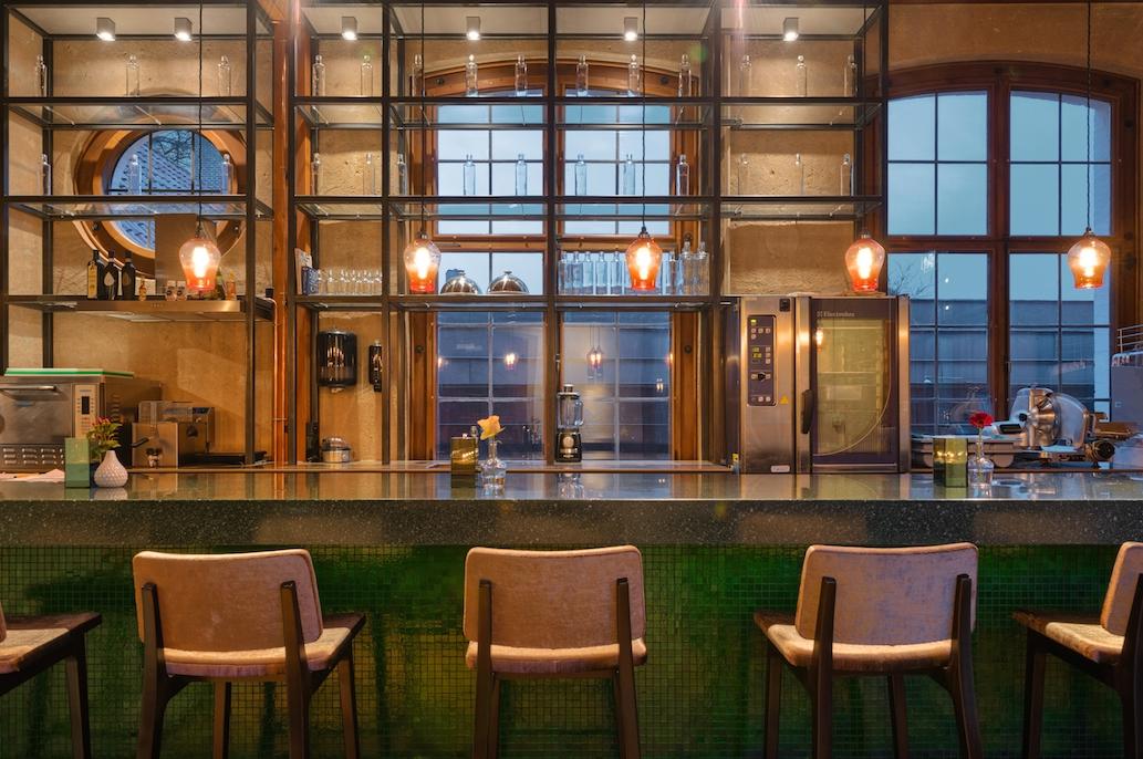 Bars_and_Restaurants_9.jpg