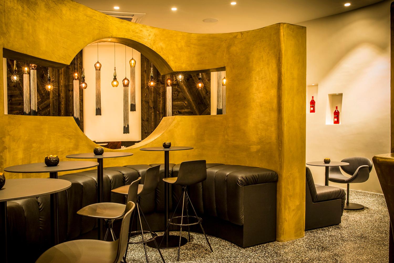 Bars_and_Restaurants_12.jpg