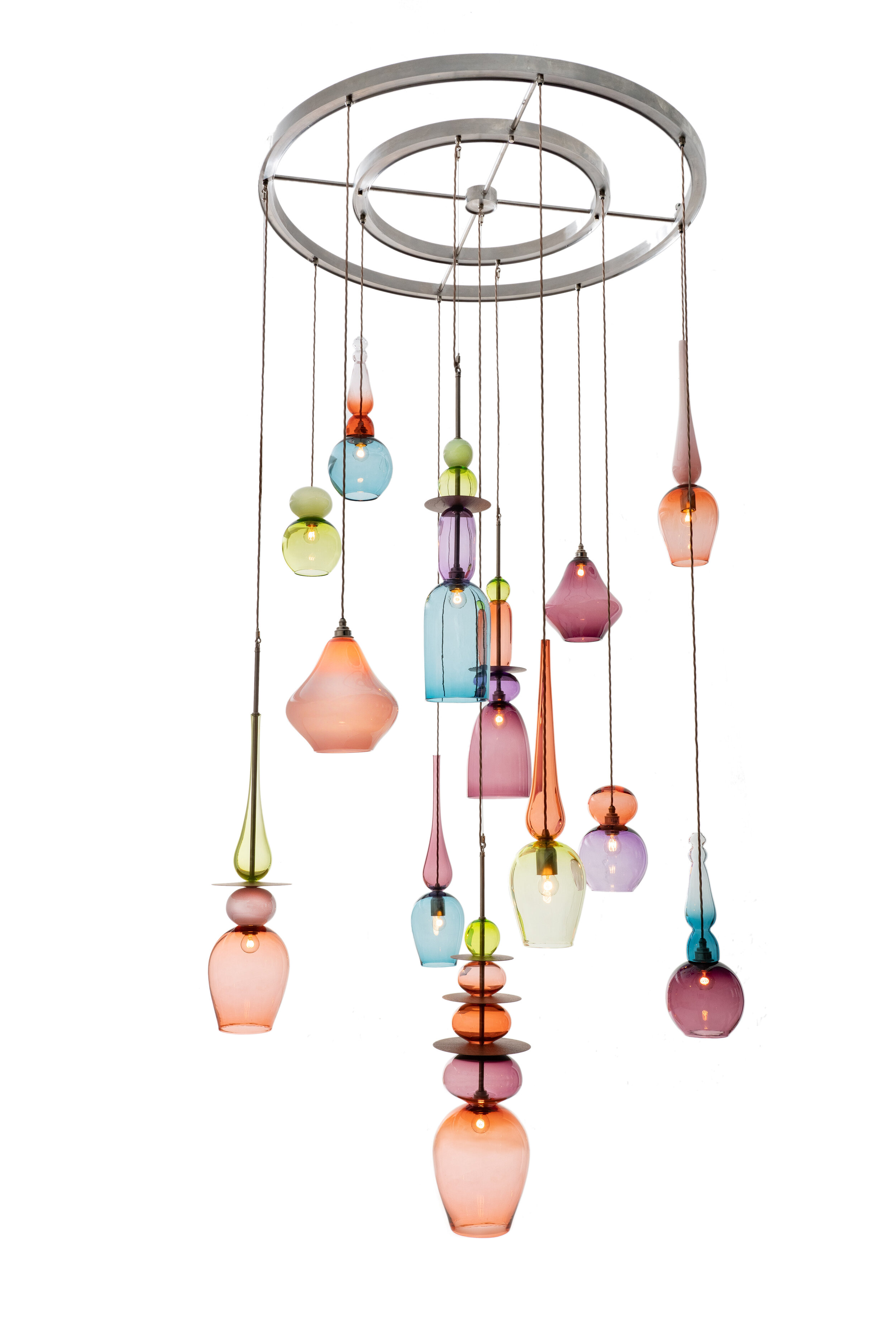 Curiousa & Curiousa will return to Decorex International 2019 (6-9 October) on stand F160, with a whole range of new products to showcase including this amazing 3 metre high chandelier.