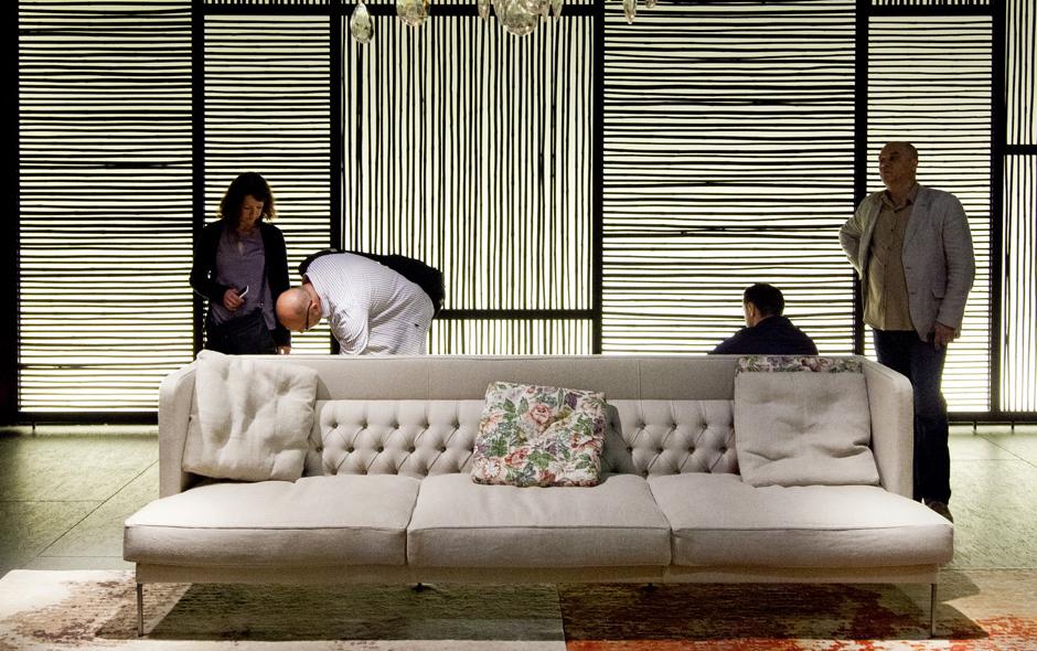 Lipp sofa designed by Piero Lissoni for Living Divani.