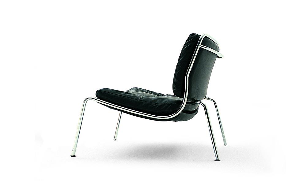 15/19 #15 Smoke Chair by Maarten Baas for Moooi.
