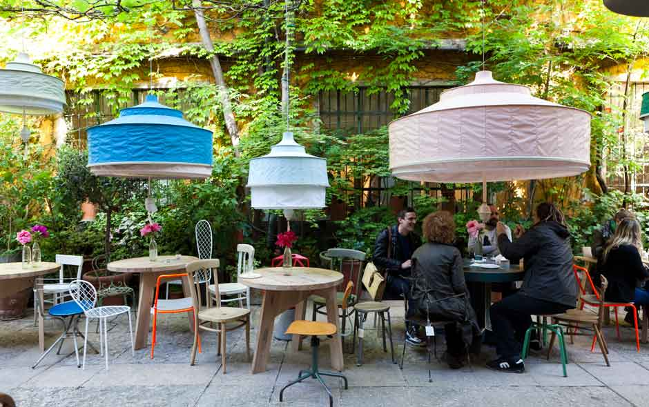 1/4 The garden at Rossana Orlandi in Milan, one of the most popular places to spend time during the Milan Furniture Fair.
