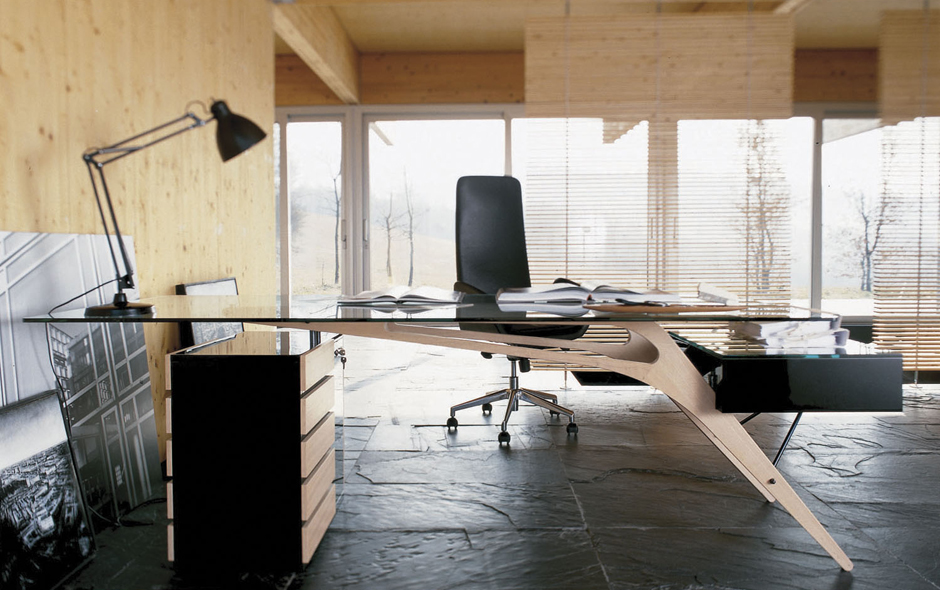3/7 The Cavour desk is one of Carlo Mollino's most adventurous and successful designs.