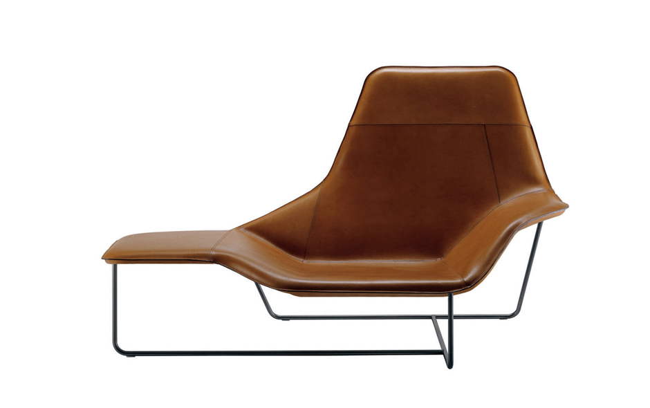 2/4 Lama lounge chair designed by Serafini and Palomba for Zanotta.