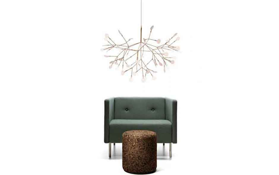 7/15 A beautiful chandelier inspired by the heracleum plant, Heracleum II uses the technique of coating conductive layers to create its magical effect.