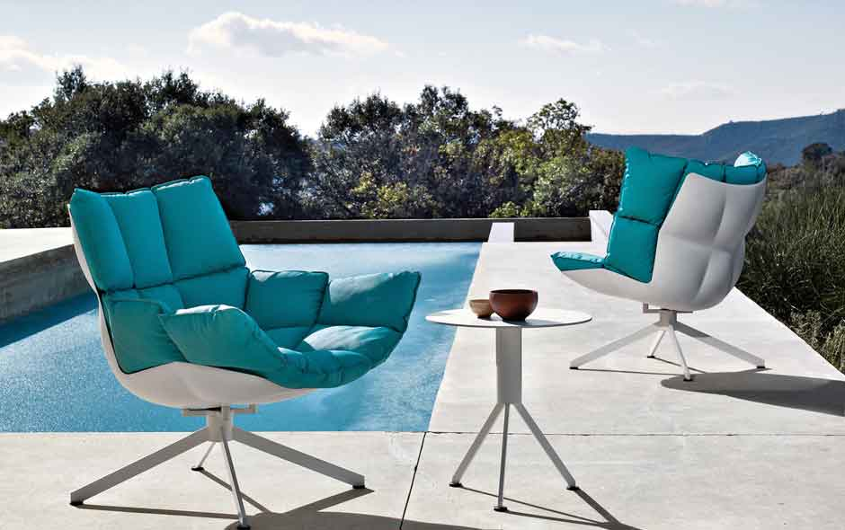 3/8 The Husk outdoor collection by Patricia Urquiola.