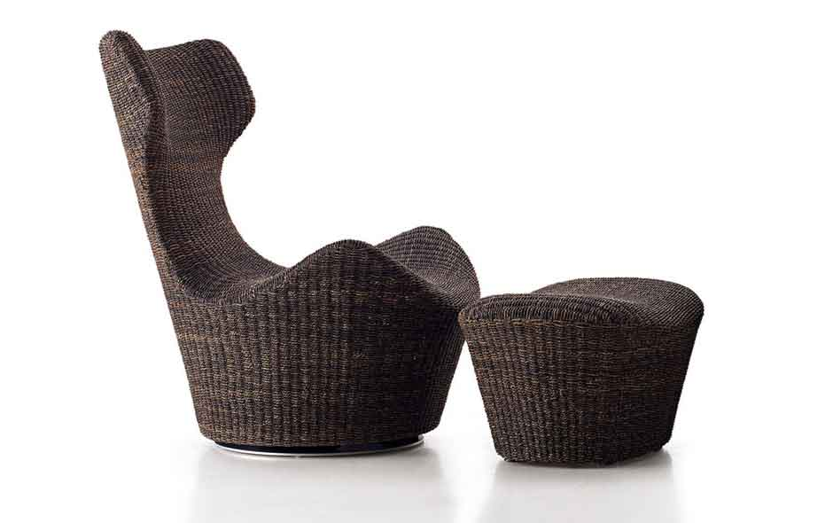 8/8 Grande Papilio by Naoto Fukasawa designed for lounging outdoors.